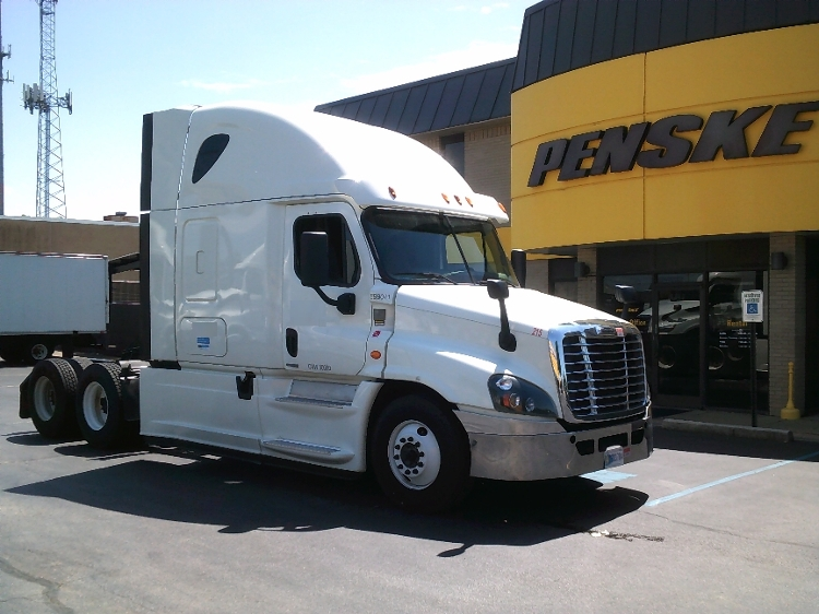 Sleeper Tractor-Heavy Duty Tractors-Freightliner-2015-Cascadia 12564ST-MEMPHIS-TN-519,576 miles-$64,500