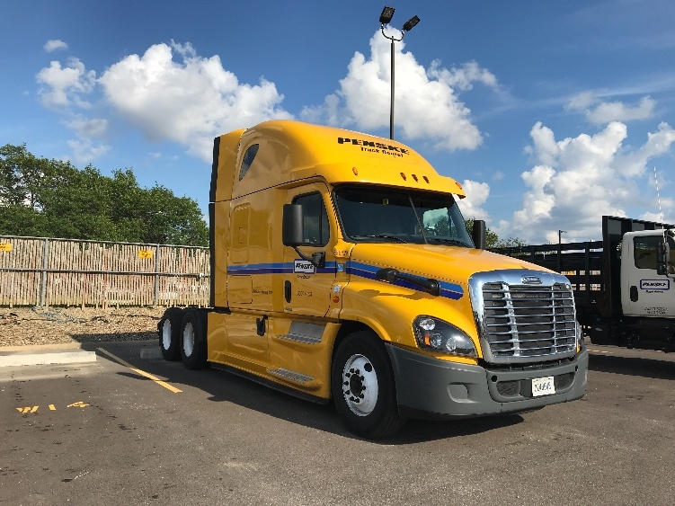 Sleeper Tractor-Heavy Duty Tractors-Freightliner-2015-Cascadia 12564ST-GAINESVILLE-FL-605,167 miles-$32,750
