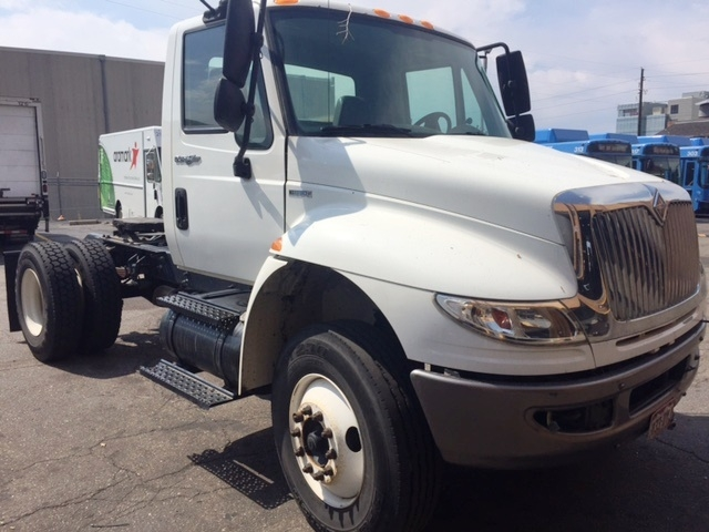 Day Cab Tractor-Heavy Duty Tractors-International-2010-4400-DENVER-CO-178,489 miles-$6,000