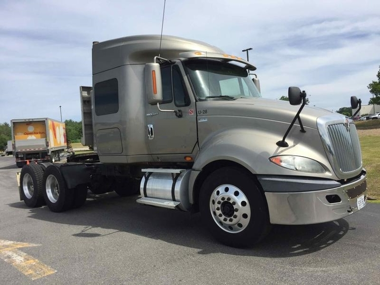 Sleeper Tractor-Heavy Duty Tractors-International-2012-ProStar-SCARBOROUGH-ME-334,225 miles-$17,000