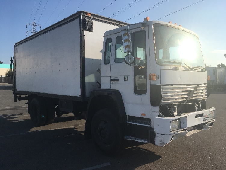 Medium Duty Box Truck-Light and Medium Duty Trucks-Volvo-1992-FE42-SAN LEANDRO-CA-302,996 miles-$3,500