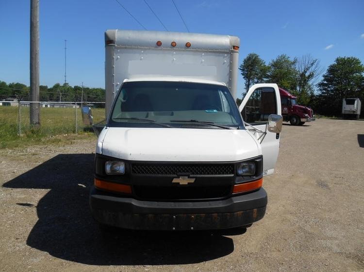 Medium Duty Box Truck-Light and Medium Duty Trucks-Chevrolet-2006-EXPRESS-ERIE-PA-189,458 miles-$9,250
