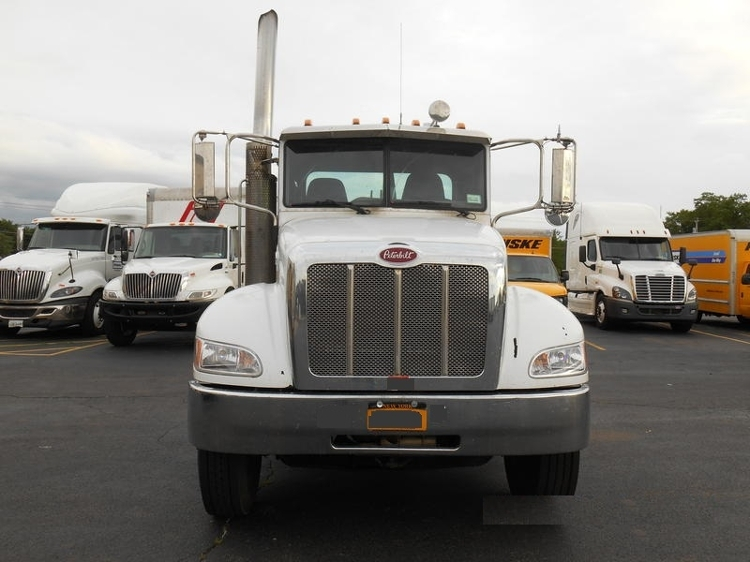 Day Cab Tractor-Specialized Equipment-Peterbilt-2010-335-FREDONIA-NY-388,425 miles-$30,500