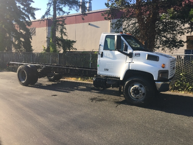 Cab and Chassis Truck-Light and Medium Duty Trucks-GMC-2004-C7C042-KENT-WA-239,038 miles-$8,250