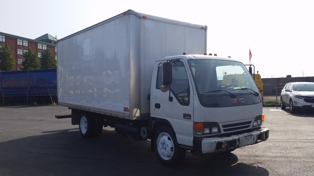 Medium Duty Box Truck-Light and Medium Duty Trucks-GMC-2001-W5500-HAMILTON-ON-473,743 km-$4,500