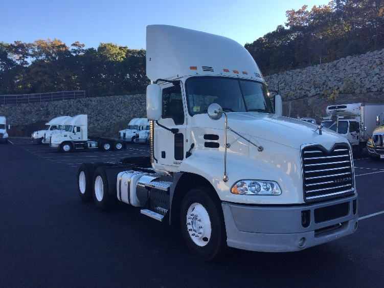 Day Cab Tractor-Heavy Duty Tractors-Mack-2013-CXU613-CRANSTON-RI-391,389 miles-$41,500