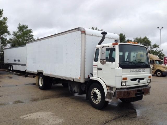 Medium Duty Box Truck-Light and Medium Duty Trucks-Mack-1999-MS200P-ROMEOVILLE-IL-218,099 miles-$8,500