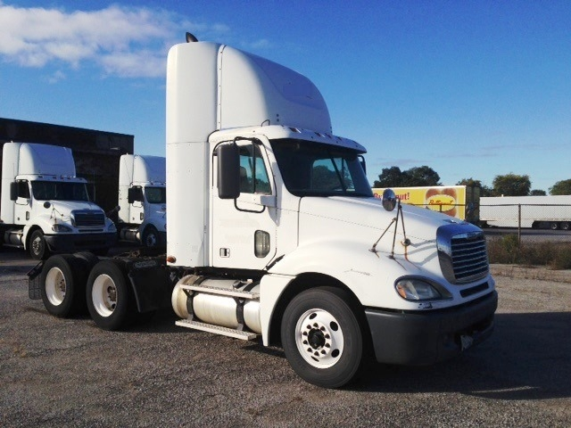 Day Cab Tractor-Heavy Duty Tractors-Freightliner-2007-Columbia CL12064ST-EAST CHICAGO-IN-673,641 miles-$21,950