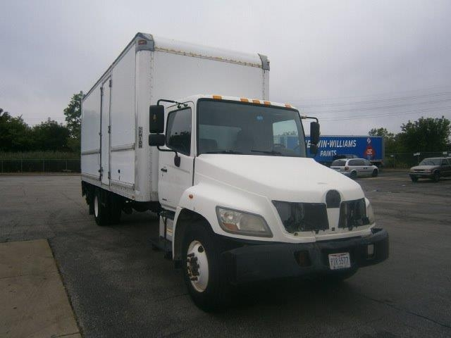 Medium Duty Box Truck-Light and Medium Duty Trucks-Hino-2009-268-BROOK PARK-OH-301,774 miles-$18,250