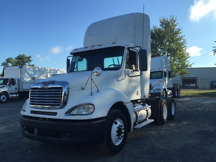 Day Cab Tractor-Heavy Duty Tractors-Freightliner-2007-Columbia CL12064ST-CHARLOTTE-NC-672,160 miles-$29,500