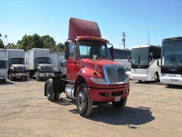 Used Heavy Duty Tractors Trucks In Ca For Sale Penske Used Trucks