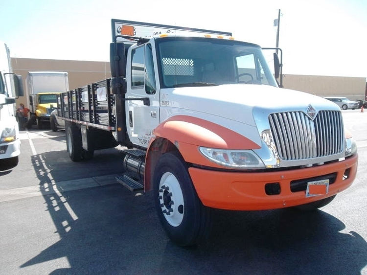 Flatbed Truck-Light and Medium Duty Trucks-International-2006-4300-LAS VEGAS-NV-162,254 miles-$28,250