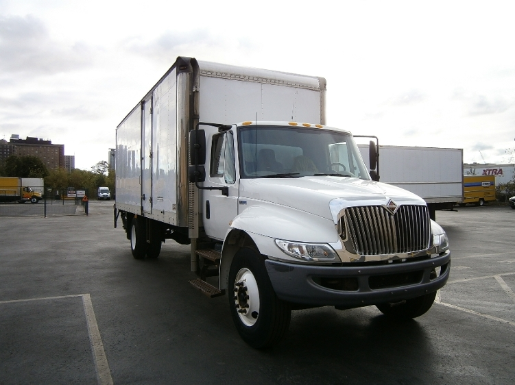 Medium Duty Box Truck-Light and Medium Duty Trucks-International-2013-4300-MISSISSAUGA-ON-161,968 km-$34,500