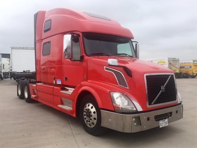 Sleeper Tractor-Heavy Duty Tractors-Volvo-2013-VNL64T780-FORT WORTH-TX-528,116 miles-$44,000