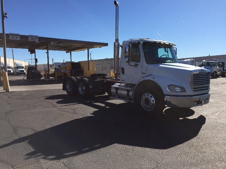 Day Cab Tractor-Heavy Duty Tractors-Freightliner-2007-M211264S-PHOENIX-AZ-178,114 miles-$30,500