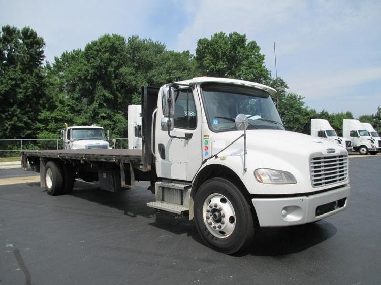 Flatbed Truck-Light and Medium Duty Trucks-Freightliner-2006-M2-BURLINGTON-NJ-296,051 miles-$17,750