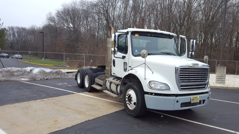Day Cab Tractor-Heavy Duty Tractors-Freightliner-2010-M211264S-BURLINGTON-NJ-262,189 miles-$35,250