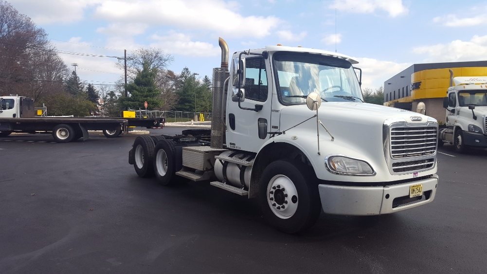 Day Cab Tractor-Heavy Duty Tractors-Freightliner-2010-M211264S-BURLINGTON-NJ-290,767 miles-$34,000