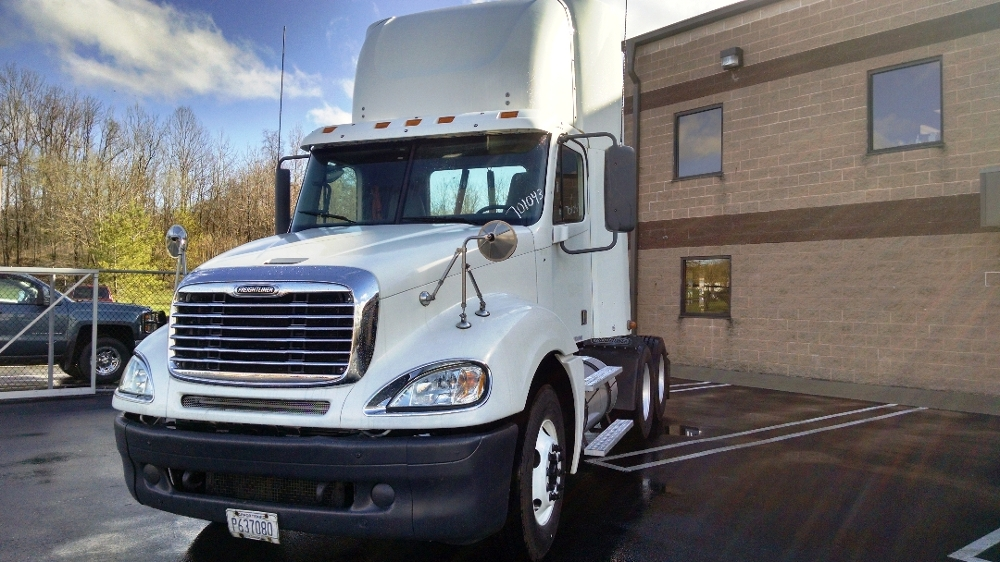 Day Cab Tractor-Heavy Duty Tractors-Freightliner-2007-Columbia CL12064ST-KING OF PRUSSIA-PA-440,595 miles-$25,750