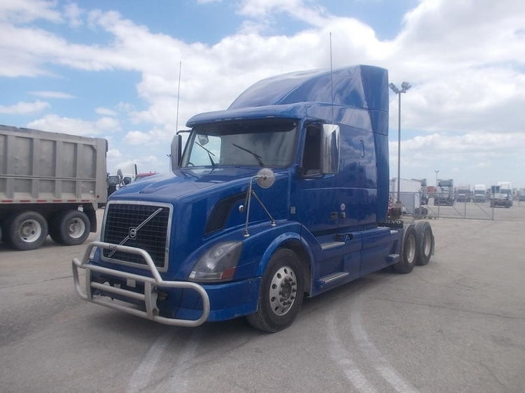 Sleeper Tractor-Heavy Duty Tractors-Volvo-2012-VNL64T630-WEST SACRAMENTO-CA-456,585 miles-$37,500
