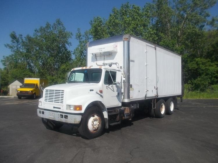 Reefer Truck-Light and Medium Duty Trucks-International-1999-4900-SOUTH HOLLAND-IL-377,823 miles-$8,500