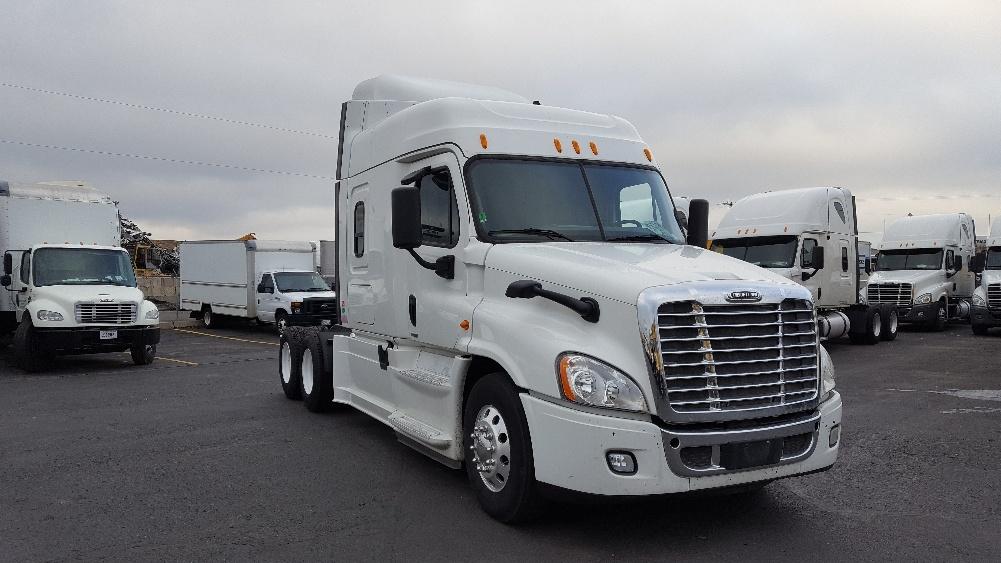 Sleeper Tractor-Heavy Duty Tractors-Freightliner-2014-Cascadia 12564ST-SPOKANE VALLEY-WA-445,316 miles-$65,250