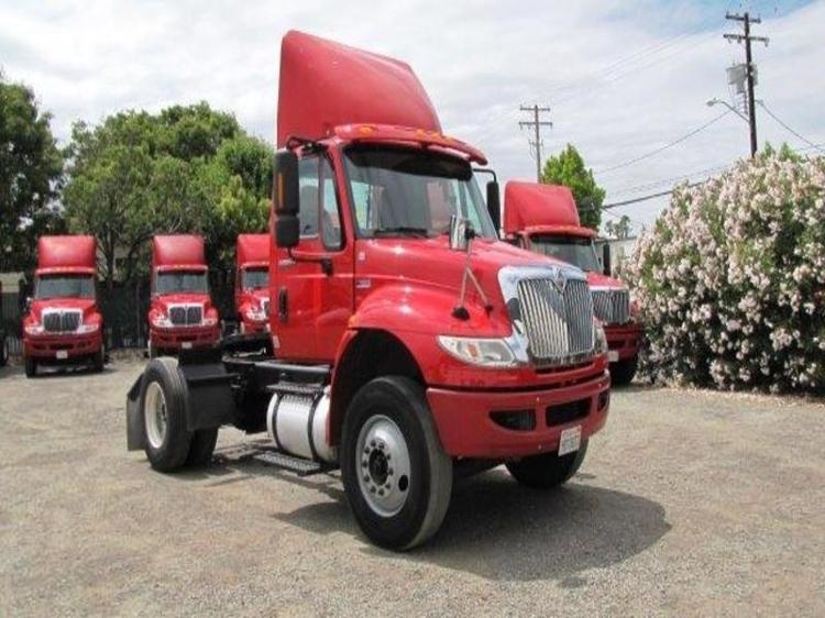 Day Cab Tractor-Heavy Duty Tractors-International-2012-4400-SANTA CLARA-CA-181,728 miles-$32,000