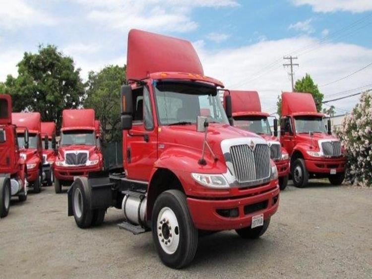 Day Cab Tractor-Heavy Duty Tractors-International-2012-4400-SANTA CLARA-CA-181,934 miles-$32,000