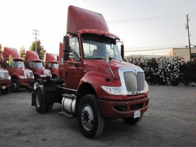 Day Cab Tractor-Heavy Duty Tractors-International-2012-4400-TORRANCE-CA-210,207 miles-$23,500