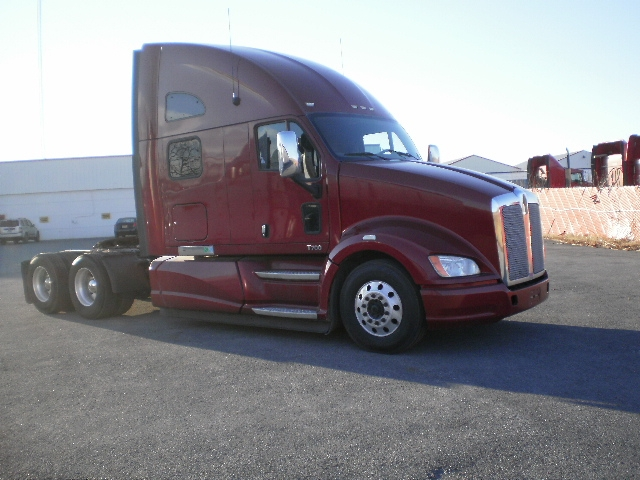 Sleeper Tractor-Heavy Duty Tractors-Kenworth-2012-T700-EAST SYRACUSE-NY-473,835 miles-$40,250