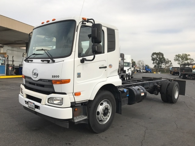 Other Truck-Light and Medium Duty Trucks-Nissan-2012-UD3300-TORRANCE-CA-90,613 miles-$35,500