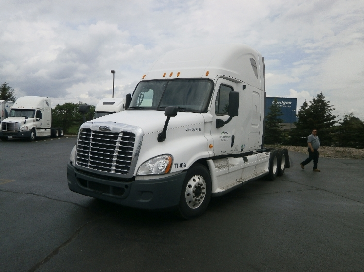 Sleeper Tractor-Heavy Duty Tractors-Freightliner-2010-Cascadia 12564ST-ROCHESTER-NY-772,962 miles-$25,750