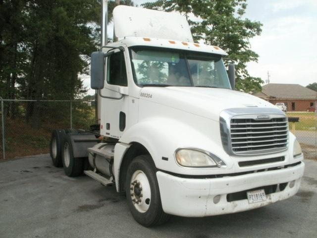 Day Cab Tractor-Heavy Duty Tractors-Freightliner-2007-Columbia CL12064ST-CONYERS-GA-293,747 miles-$23,000