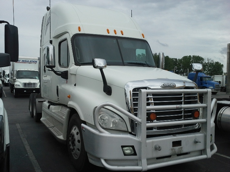 Sleeper Tractor-Heavy Duty Tractors-Freightliner-2010-Cascadia 12564ST-KANSAS CITY-MO-555,035 miles-$33,750