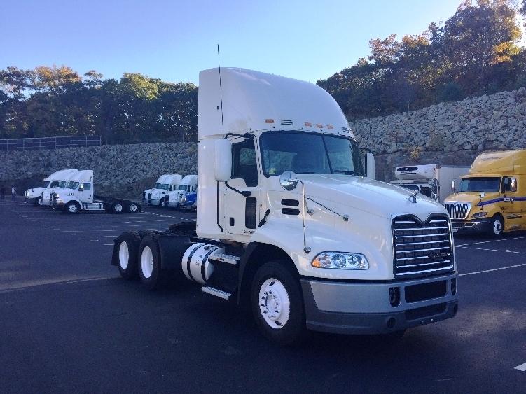 Day Cab Tractor-Heavy Duty Tractors-Mack-2013-CXU613-CRANSTON-RI-481,449 miles-$36,500