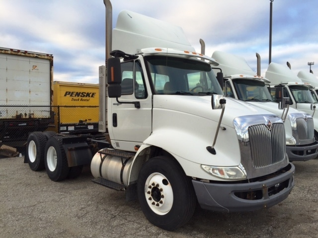 Day Cab Tractor-Heavy Duty Tractors-International-2009-8600-WARREN-MI-355,296 miles-$24,950