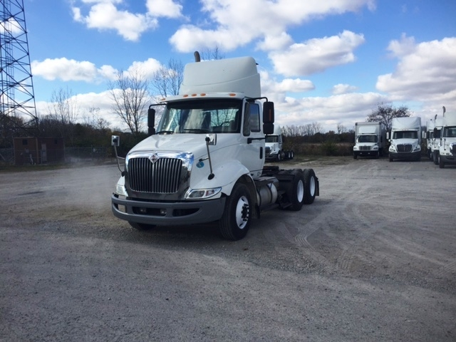 Day Cab Tractor-Heavy Duty Tractors-International-2009-8600-SPRINGFIELD-OH-322,373 miles-$25,500