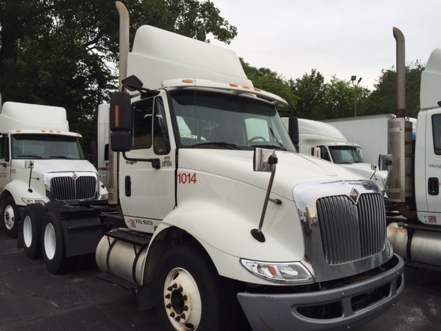 Day Cab Tractor-Heavy Duty Tractors-International-2009-8600-INDIANAPOLIS-IN-349,739 miles-$23,450
