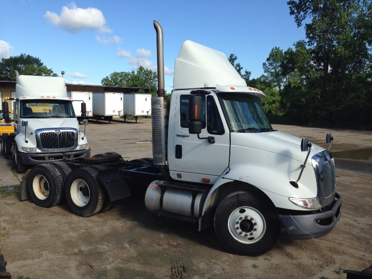 Day Cab Tractor-Heavy Duty Tractors-International-2009-8600-WARREN-MI-356,654 miles-$22,500