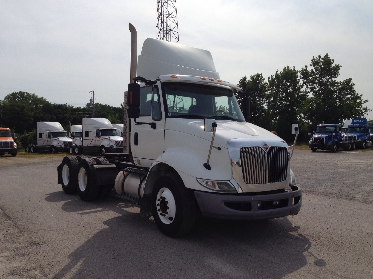 Day Cab Tractor-Heavy Duty Tractors-International-2009-8600-SPRINGFIELD-OH-369,930 miles-$21,750