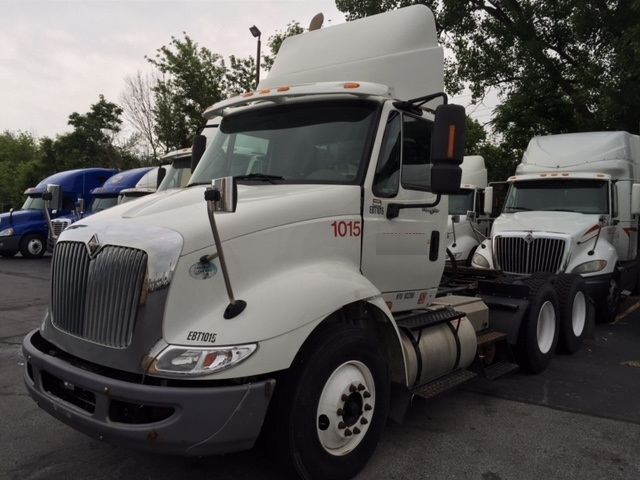 Day Cab Tractor-Heavy Duty Tractors-International-2009-8600-INDIANAPOLIS-IN-416,034 miles-$21,200