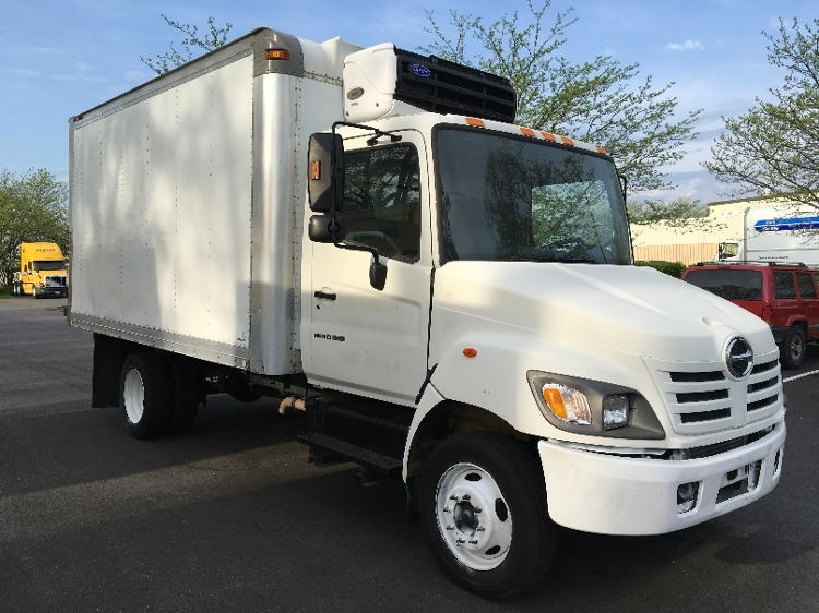 Medium Duty Box Truck-Light and Medium Duty Trucks-Hino-2005-165-INDIANAPOLIS-IN-201,476 miles-$13,250