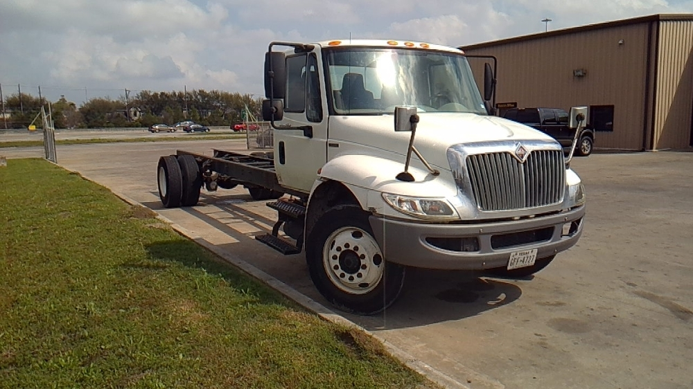 Cab and Chassis Truck-Light and Medium Duty Trucks-International-2010-4300-HOUSTON-TX-381,762 miles-$16,500