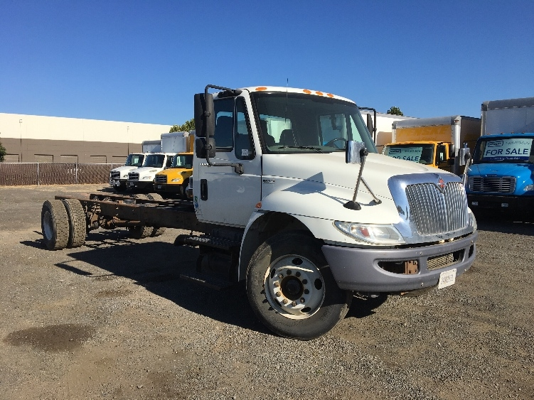 Cab and Chassis Truck-Light and Medium Duty Trucks-International-2011-4300-WEST SACRAMENTO-CA-275,228 miles-$21,000