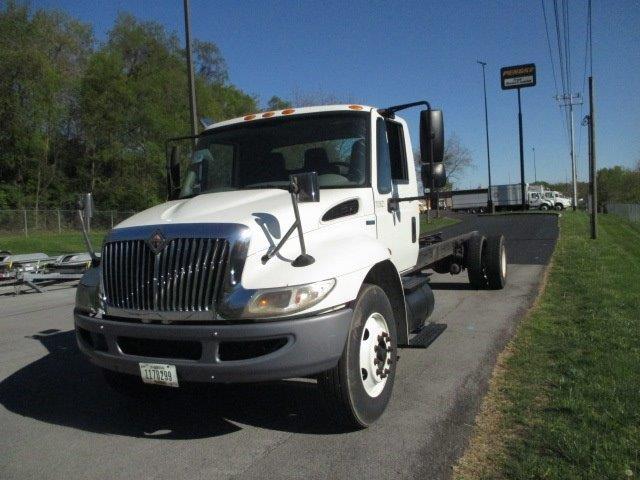 Medium Duty Box Truck-Specialized Equipment-International-2010-4300-KNOXVILLE-TN-327,278 miles-$8,000