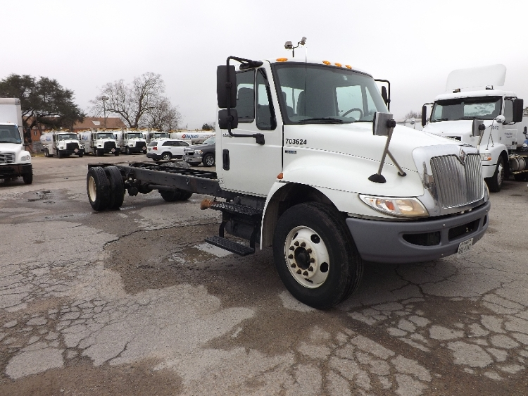 Cab and Chassis Truck-Light and Medium Duty Trucks-International-2010-4300-HOUSTON-TX-317,685 miles-$15,500