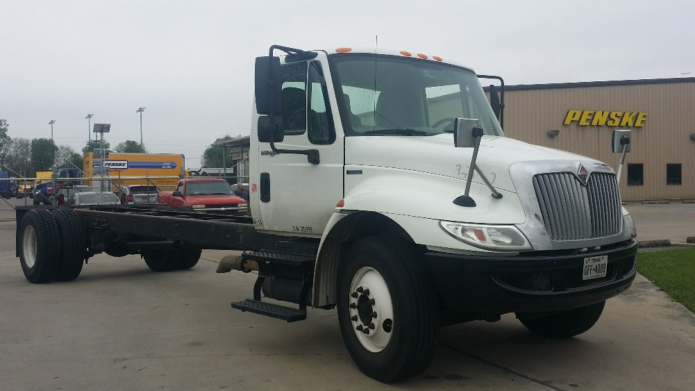 Cab and Chassis Truck-Light and Medium Duty Trucks-International-2010-4300-HOUSTON-TX-337,863 miles-$16,500