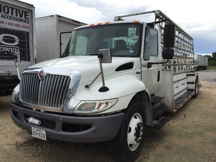 Glass Truck-Specialized Equipment-International-2011-4300-SAN ANTONIO-TX-233,581 miles-$10,000