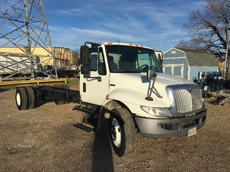 Cab and Chassis Truck-Light and Medium Duty Trucks-International-2011-4300-HOUSTON-TX-194,495 miles-$26,250