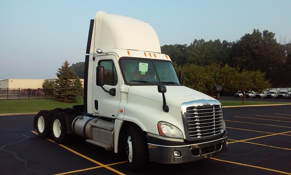 Day Cab Tractor-Heavy Duty Tractors-Freightliner-2012-Cascadia 12564ST-NORTHWOOD-OH-264,367 miles-$42,500